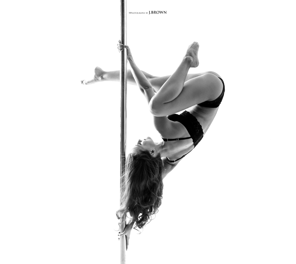 Poledance | Picture by Jimmy Brown